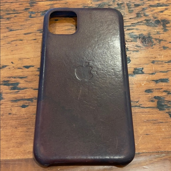 Apple iPhone 11 Max leather phone cover.